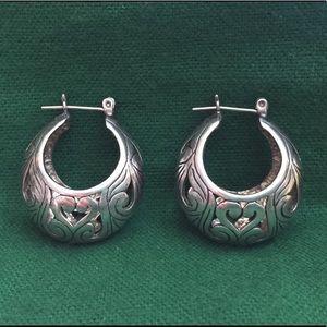 Vintage silver filigree hoop earrings.